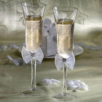Graceful Wedding Toasting Glasses