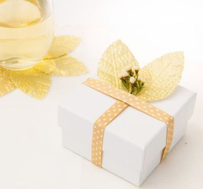 Gold Leaves Wedding Favor Accessory 6ct