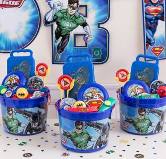 Justice League Ultimate Favor Kit for 8 Guests