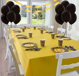 Smiley Basic Party Kit for 8 Guests