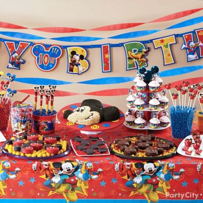 Mickey Mouse Treats Table Idea