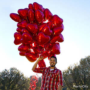 Red Heart Balloon Bouquet Idea