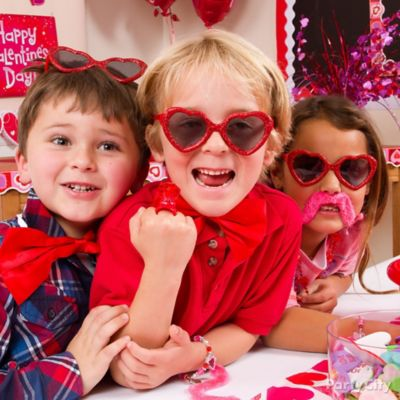 Valentine's Day Classroom Dress-Up Ideas