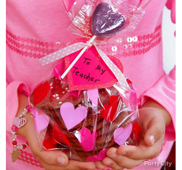 Valentines Day Classroom Cookie Favors Idea