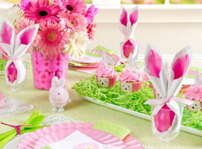 Pink & Green Easter Tablescape Ideas