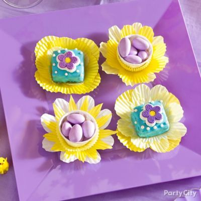 Baking Cup Flower for Candy Idea