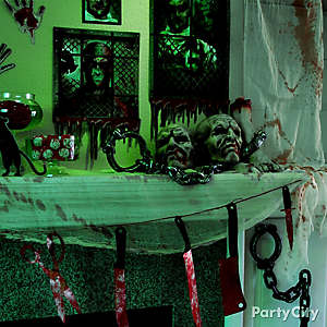 Halloween Asylum Bloody Knives Garland DIY