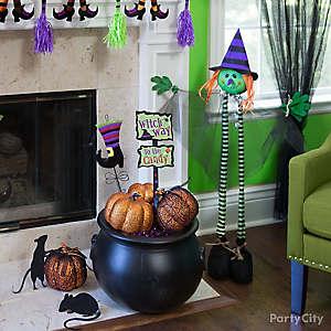 Halloween Cauldron & Pumpkin Decor Idea