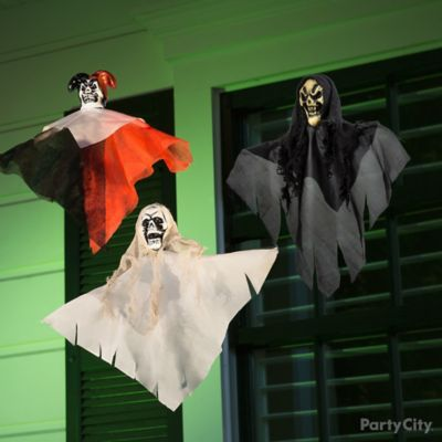 Halloween Three Mini Ghoul Porch Idea