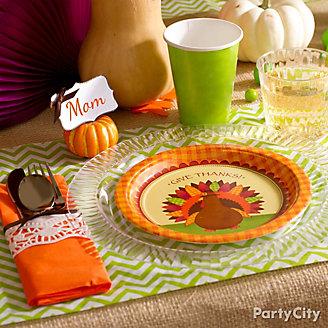 Fresh & Fun Thanksgiving Tablescape Ideas