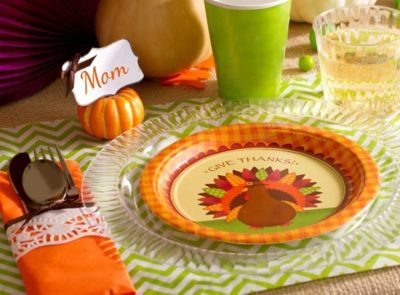 Fresh & Fun Thanksgiving Tablescape Ideas