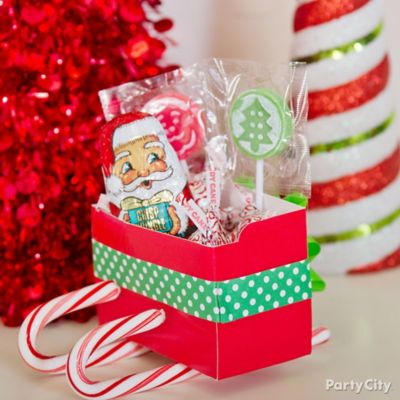 Christmas Candy Cane Sleigh DIY
