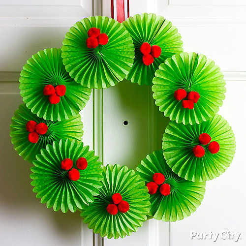 Christmas Fan Wreath DIY