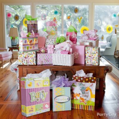 Jungle Baby Shower Gift Table Idea