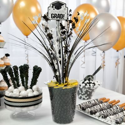 Congrats Grad Spray Centerpiece Idea