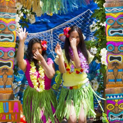 Luau Photo Booth Backdrop Idea