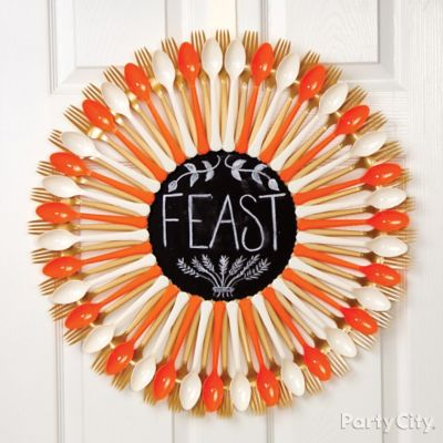 Cutlery & Chalkboard Wreath Idea