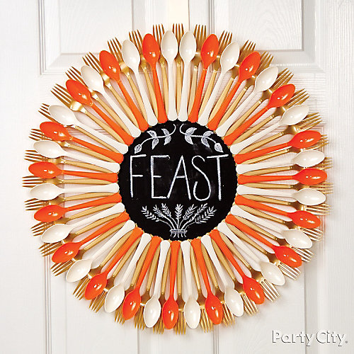Cutlery & Chalkboard Wreath Idea