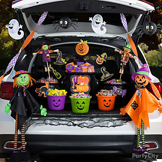 Spooky Cute Trunk or Treat Idea