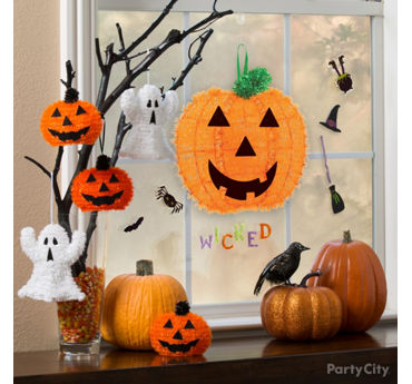 Friendly Halloween Tree Window Idea