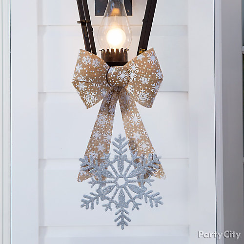 Dressed in Holiday Style Decor Idea
