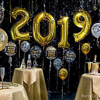 Gold Year In Balloons Idea