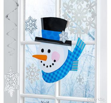 Wintry Window Decoration Idea