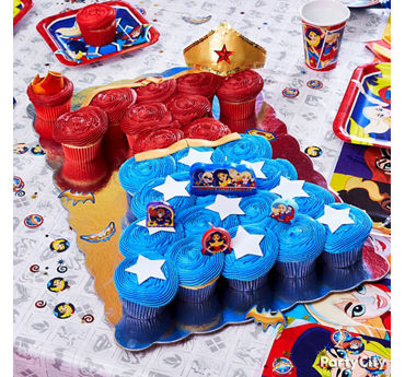 DC Super Hero Girls Pull Apart Cupcake Cake
