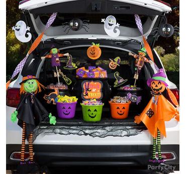 Spooky Cute Trunk or Treat Idea
