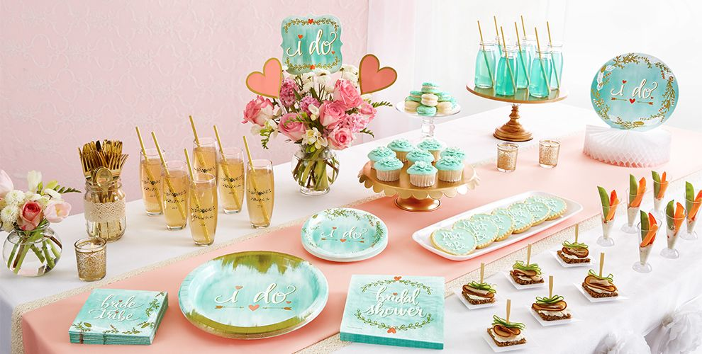 Patterned Tableware 50% off MSRP — Mint to Be Party Supplies