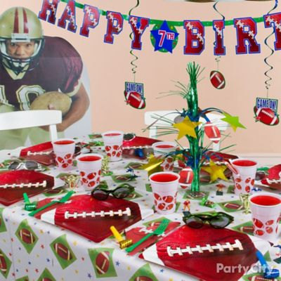 Football Party Table Idea Table Decorating Ideas Football Party