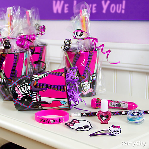 Monster High Favor Cup Idea