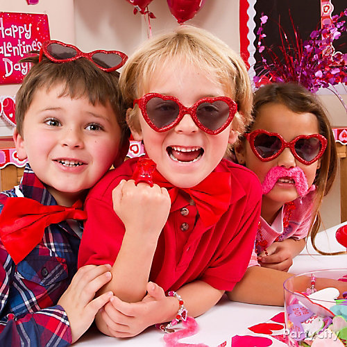 Classroom Dress Up Ideas ~ Valentines day classroom dress up ideas