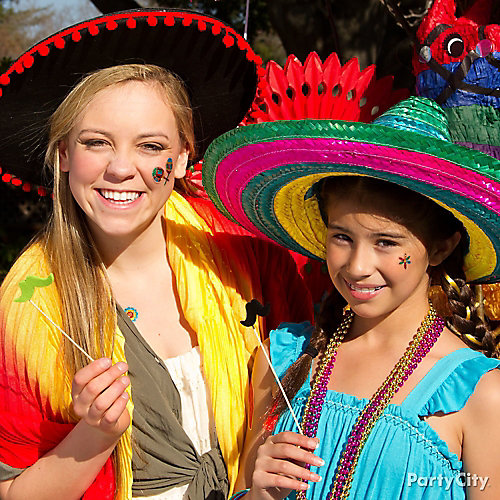 Fiesta Kids Dress Up Idea