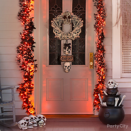 Bone Garland Front Door Idea & Bone Garland Front Door Idea - Haunted House Entrance Ideas ...