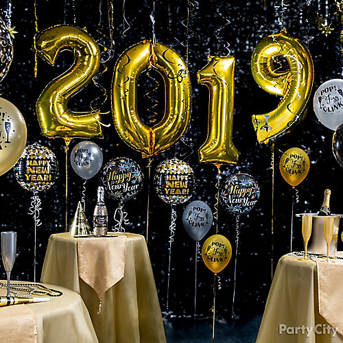 Gold Year In Balloons Idea