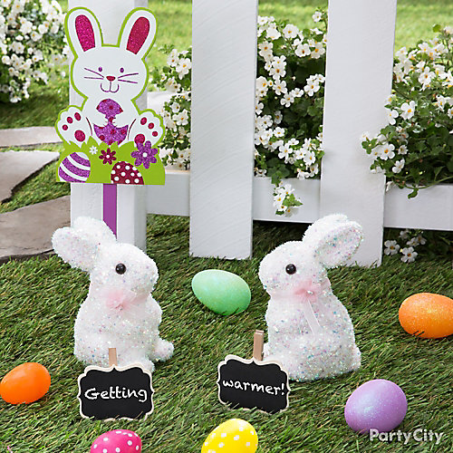 Getting Warmer Egg Hunt Signs Idea
