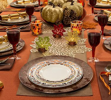 Thanksgiving Party Supplies & Holiday Party Themes - Holiday Party Ideas | Party City Canada